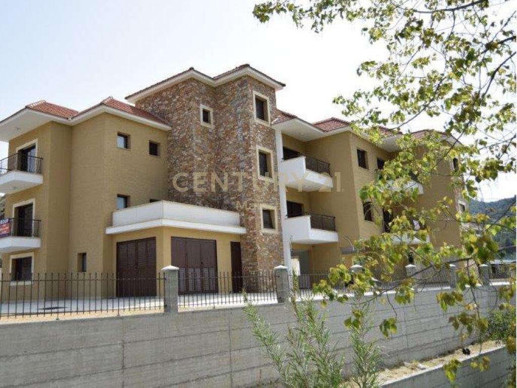 3 Bedroom Apartment For Sale in Limassol, Arakapas