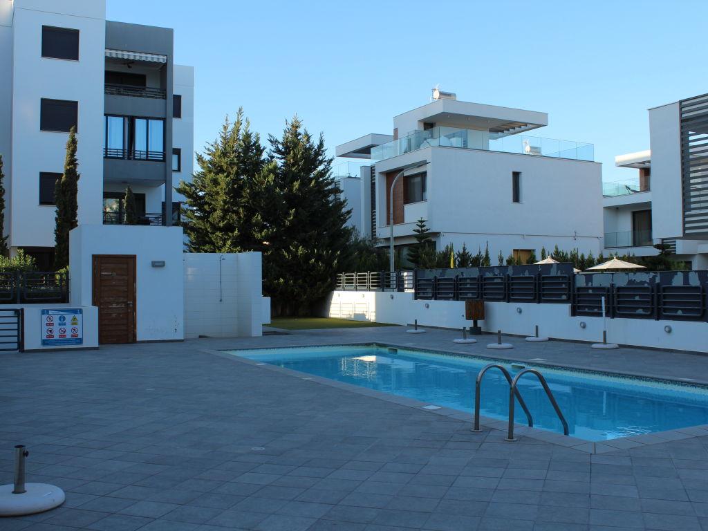 2 Bedroom Ground Floor Apartment For Rent Limassol, Mesa Gei.....