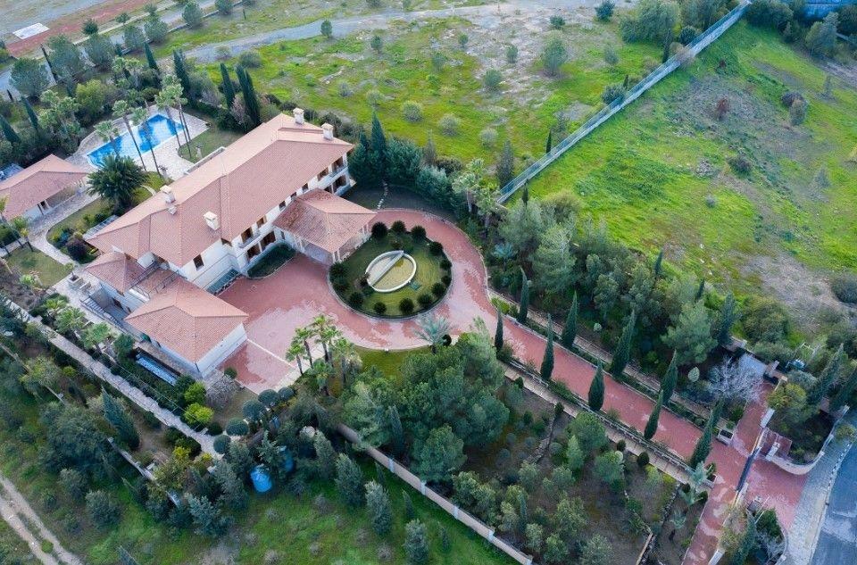 Detached House  5 Bedrooms 8 Bathrooms Nicosia Latsia sale 1.....