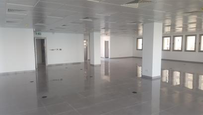 Modern office in contemporary building across the sea  660 S.....