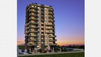 IDEALLY LOCATED ON THE BEACH 2 BEDROOM APARTMENT WITH SEA........