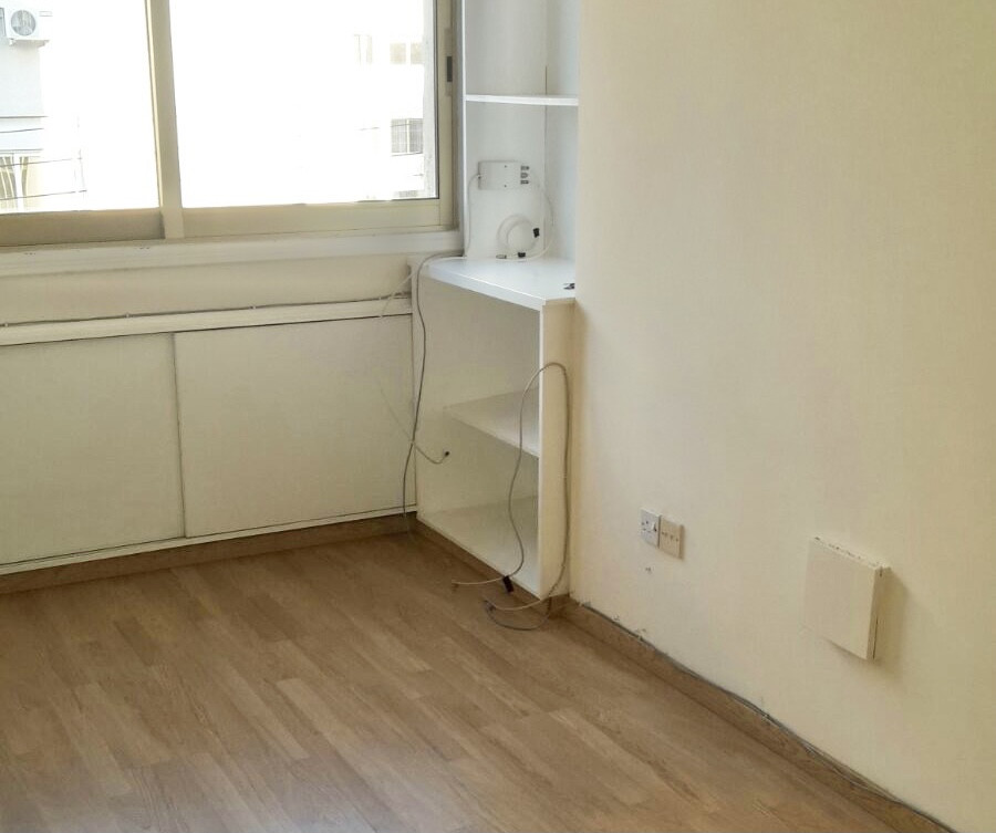 Commercial (Office) in Engomi, Nicosia for Rent  1 Bathroom.....