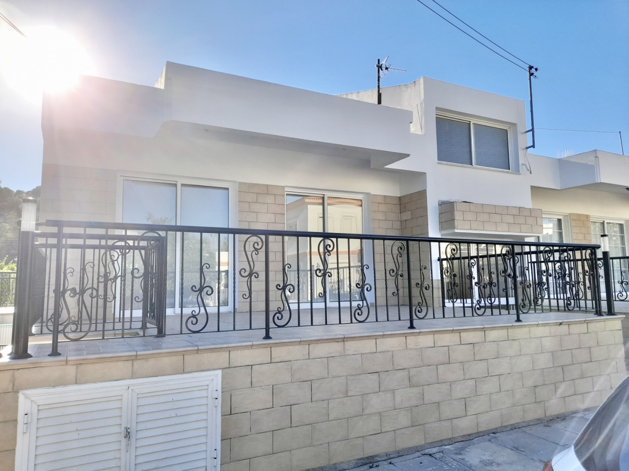 House (Semi detached) in Archangelos, Nicosia for Rent  3 Be.....