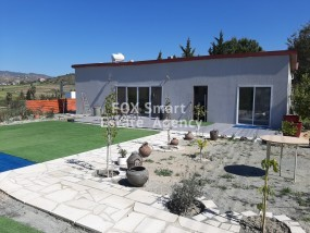 2 Bedroom House Monagroulli, Limassol   Rent