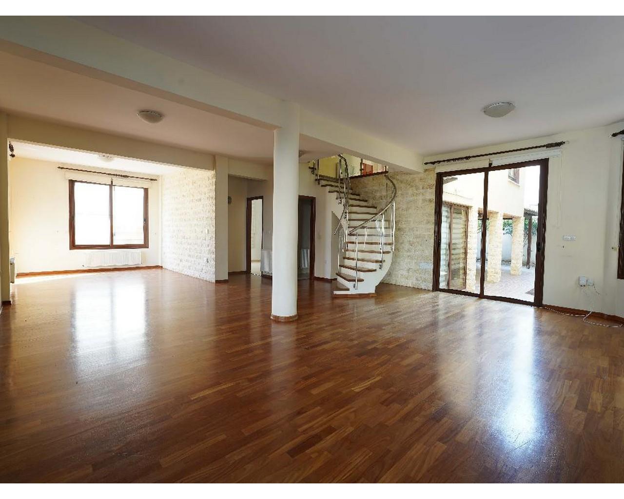 House Nicosia(Lakatamia)  4 Bedrooms 4 Bathrooms 320 SqMt fo.....