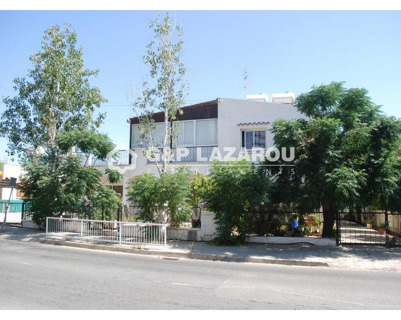 House Nicosia(Lakatamia)  3 Bedrooms 2 Bathrooms 377 SqMt fo.....