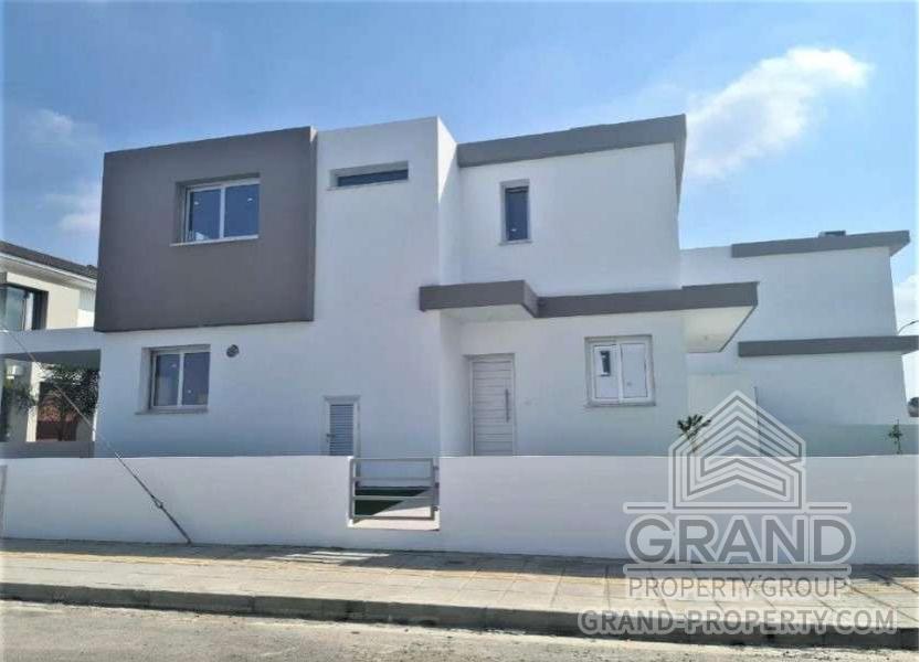 2909  Townhouse 4 Bedrooms 2 Bathrooms 200 SqMt Nicosia Geri.....