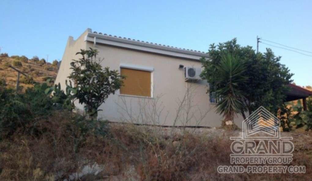 2475  Townhouse 2 Bedrooms 1 Bathroom 110 SqMt Larnaca Kalav.....