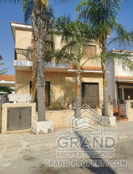 2443  Townhouse 4 Bedrooms 2 Bathrooms 200 SqMt Nicosia Agia.....