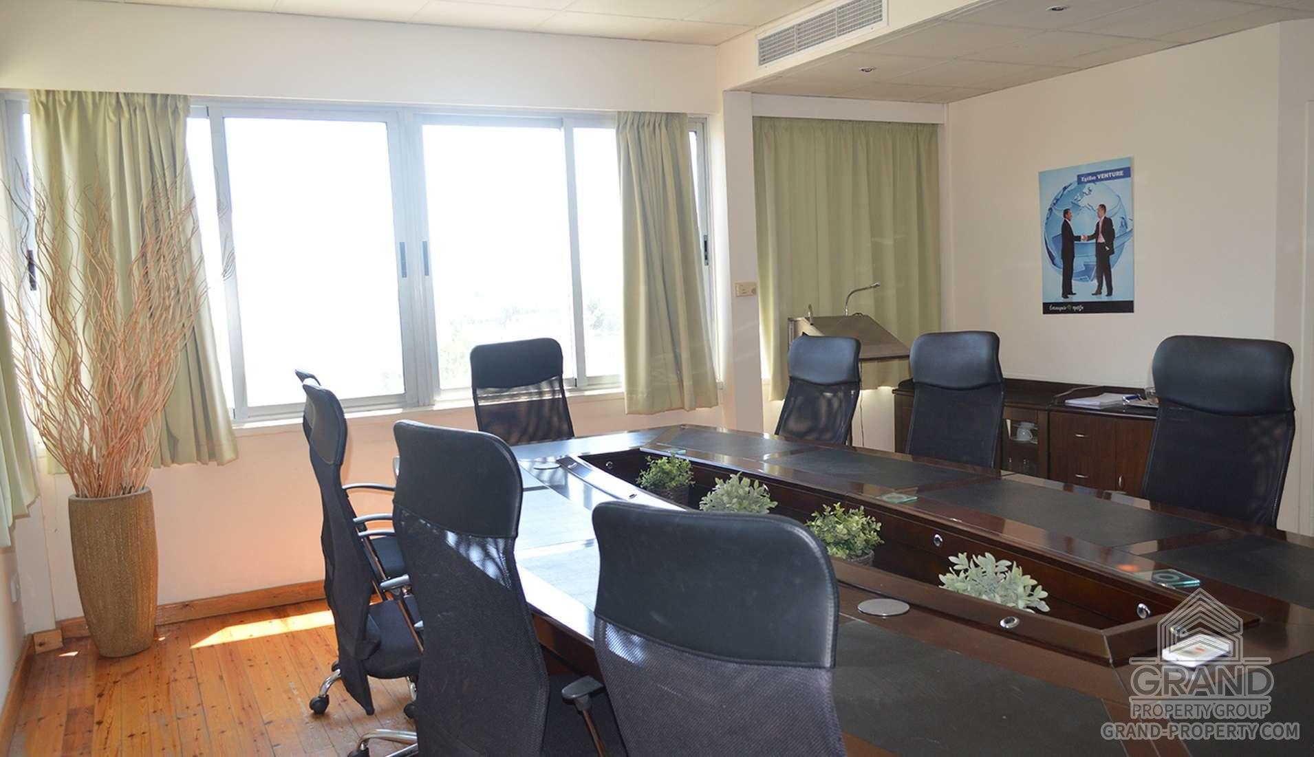2358  Office 23 SqMt Nicosia Strovolos Long Term Rental 23 S.....
