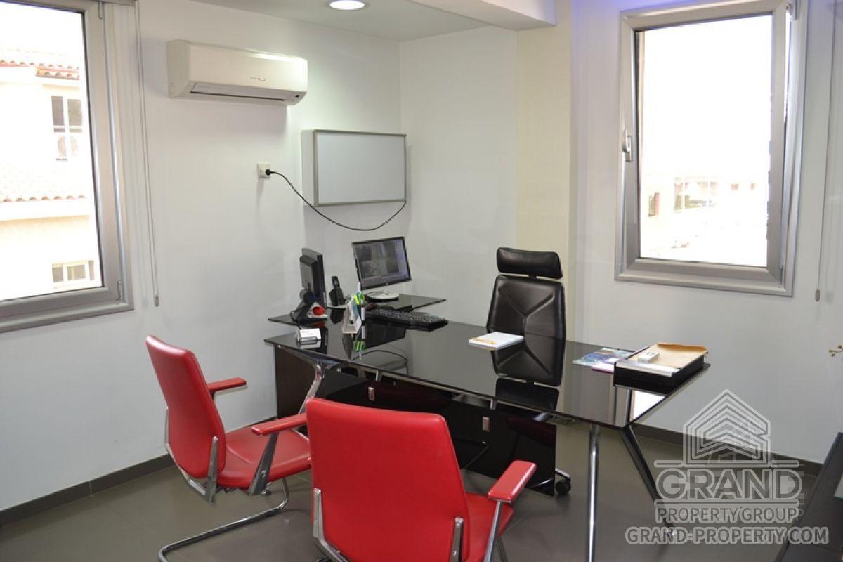 X12943  Office 3 Bathrooms 163.00 SqMt Limassol Mesa Geitoni.....