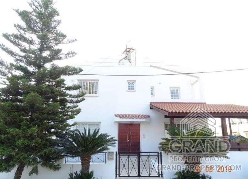 2875  Townhouse 3 Bedrooms 3 Bathrooms 165 SqMt Nicosia Anth.....