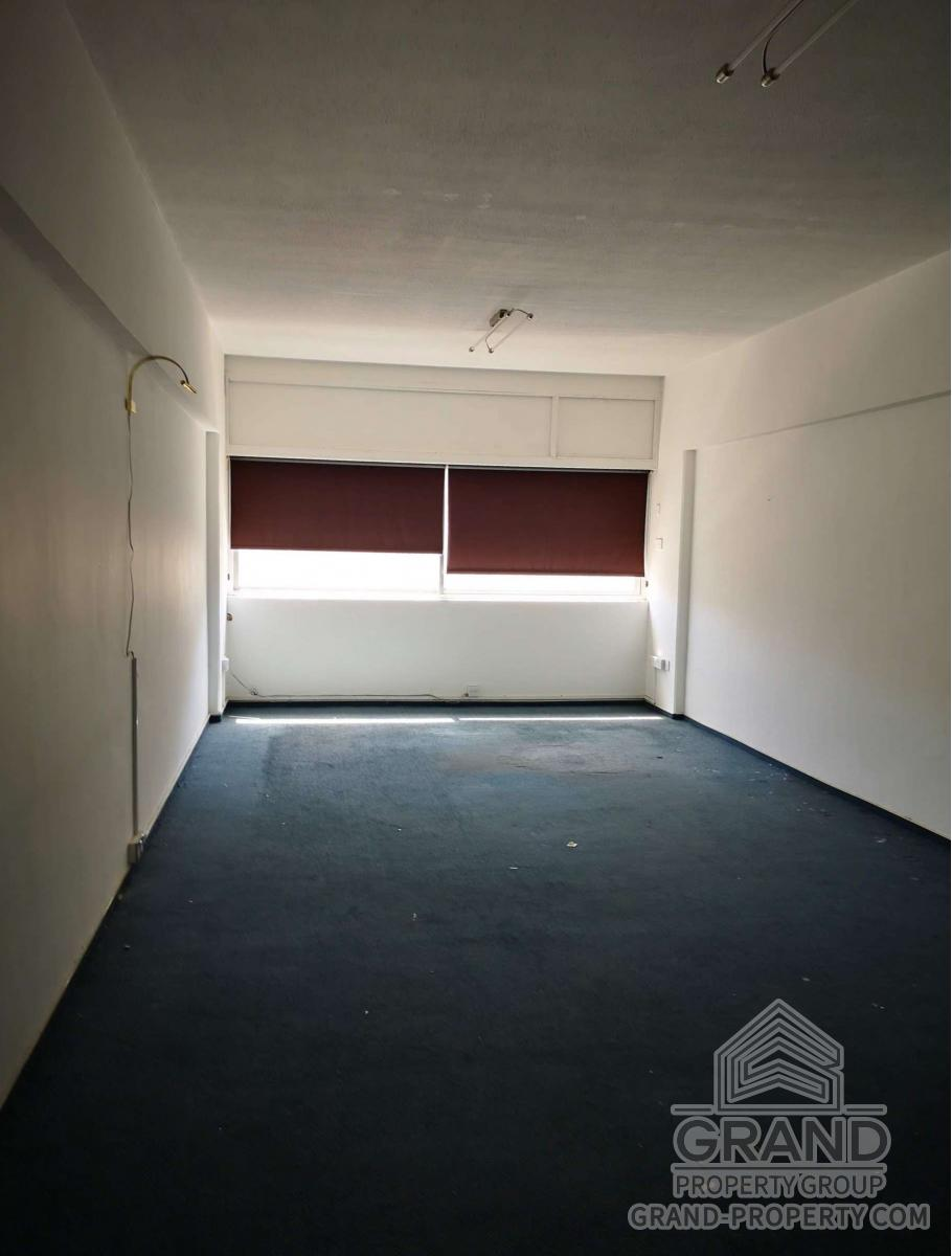 2767  Office 50 SqMt Limassol Ayia Zoni Long Term Rental 50.....