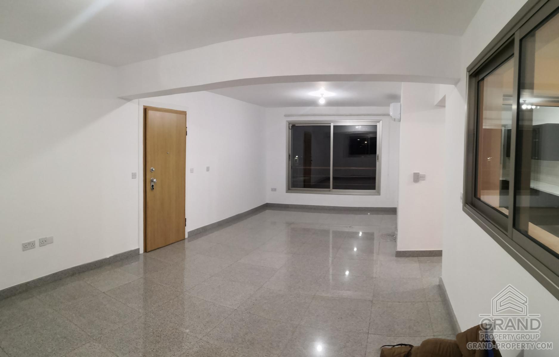 1027  Apartment 3 Bedrooms 2 Bathrooms 130 SqMt Limassol Mes.....