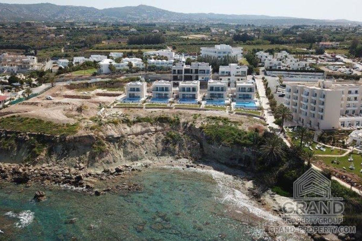 X15290  Villa 3 Bedrooms 3 Bathrooms 517.00 SqMt Paphos Kiss.....