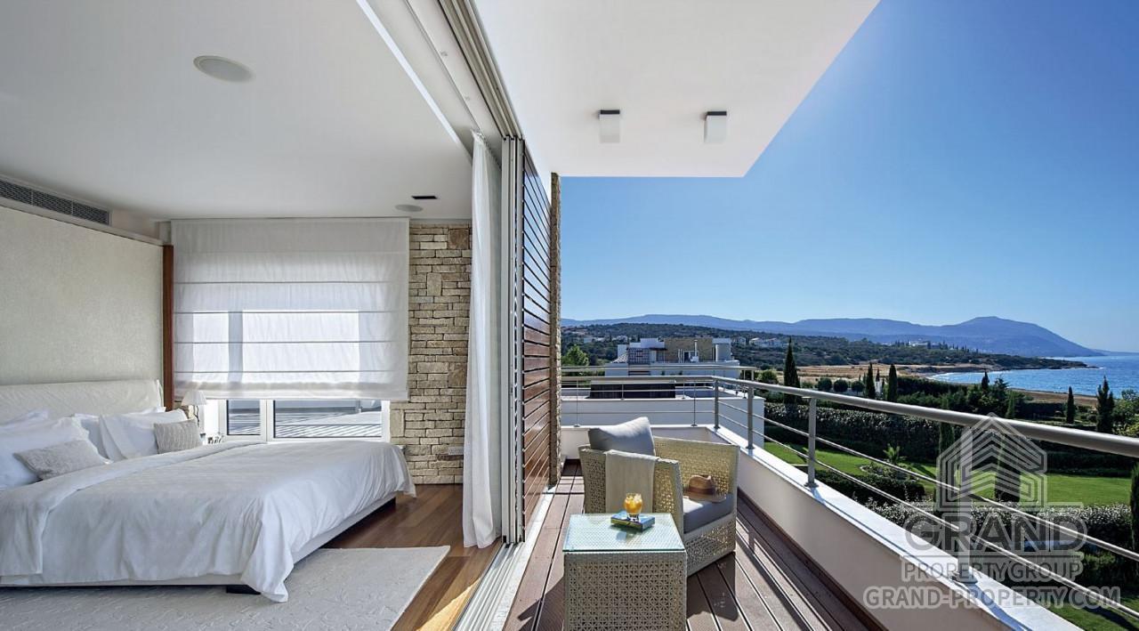 N32849  Villa 5 Bedrooms 4 Bathrooms 822 SqMt Paphos Latchi.....