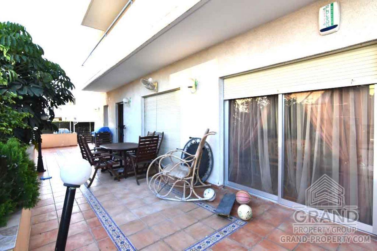 X11245  Garden Apartment 3 Bedrooms 2 Bathrooms 125.00 SqMt.....