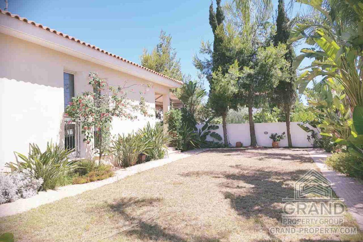 X10837  Villa 2 Bedrooms 1 Bathroom Larnaca Pervolia Short T.....