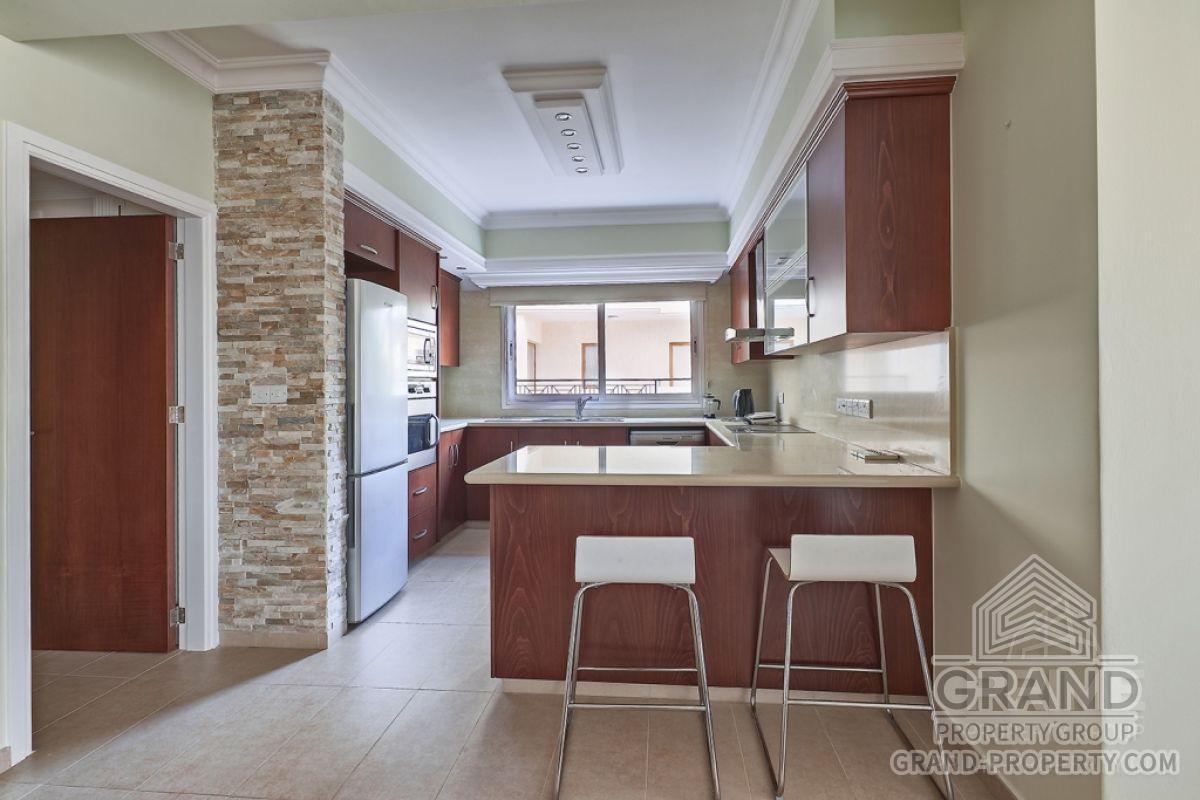 X10196  Apartment 2 Bedrooms 2 Bathrooms 85.00 SqMt Limassol.....