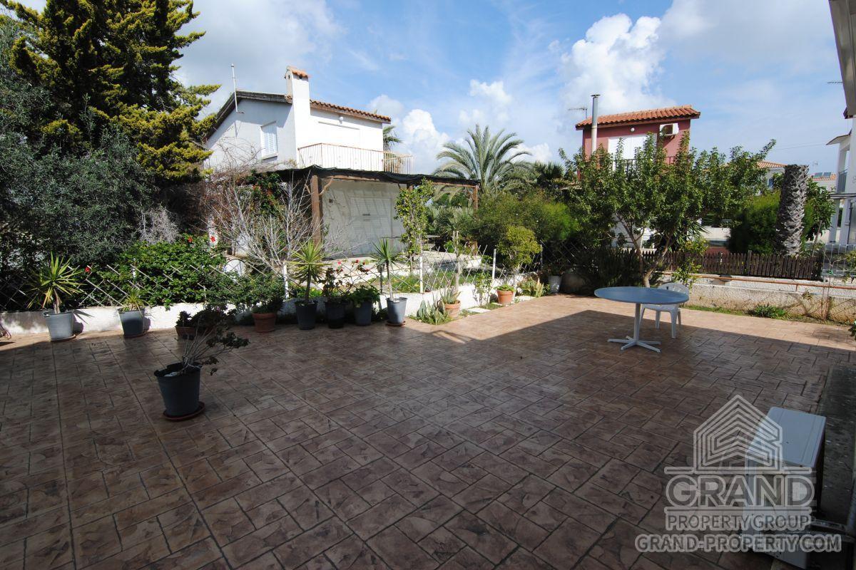 X10845  Apartment 1 Bedroom 1 Bathrooms Larnaca Pervolia Sho.....