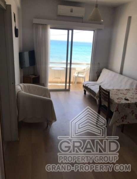 1645  Apartment 1 Bedroom 50 SqMt Larnaca Finikoudes Short T.....