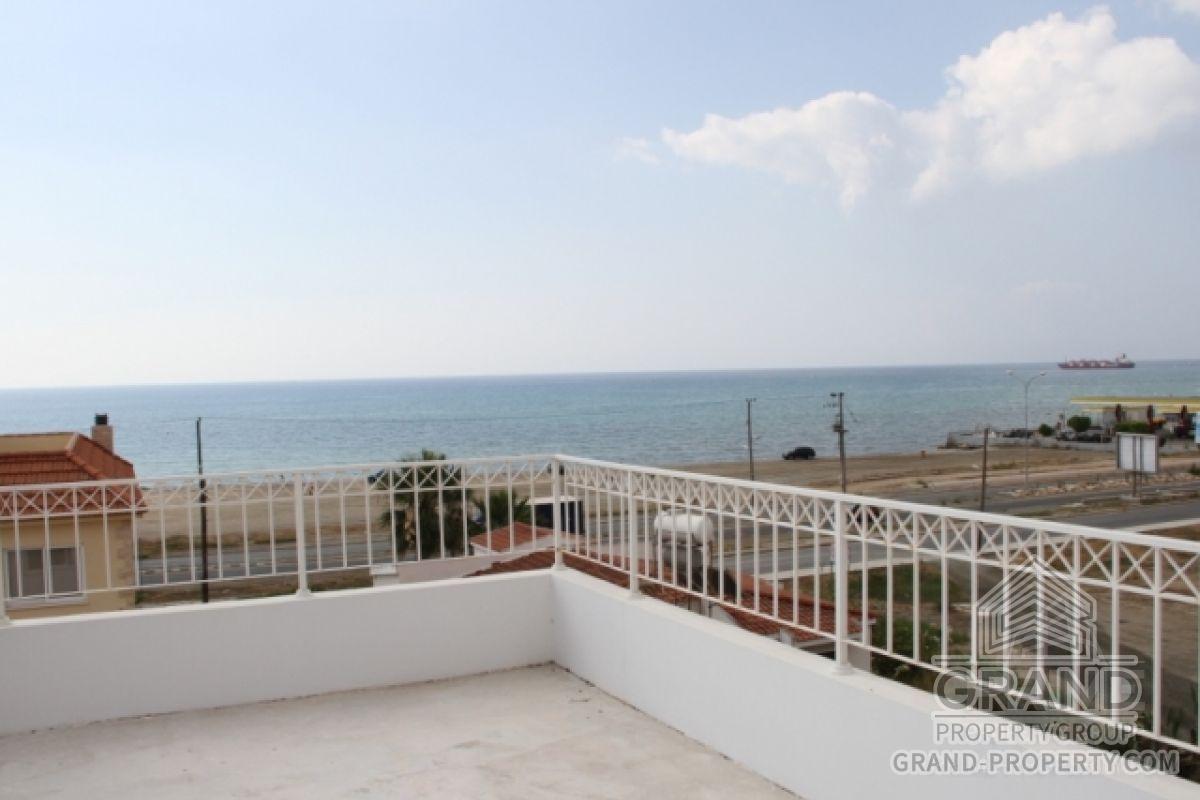 X3532  Townhouse 2 Bedrooms 1 Bathroom Larnaca Mackenzie Sho.....
