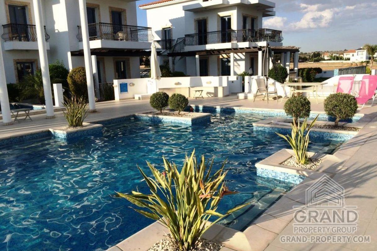 X7254  Villa 2 Bedrooms 1 Bathroom Larnaca Dhekelia Short Te.....