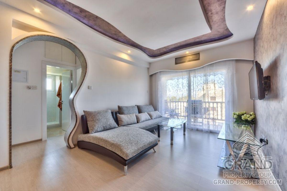 X2167  Apartment 2 Bedrooms 1 Bathroom Limassol Four Seasons.....