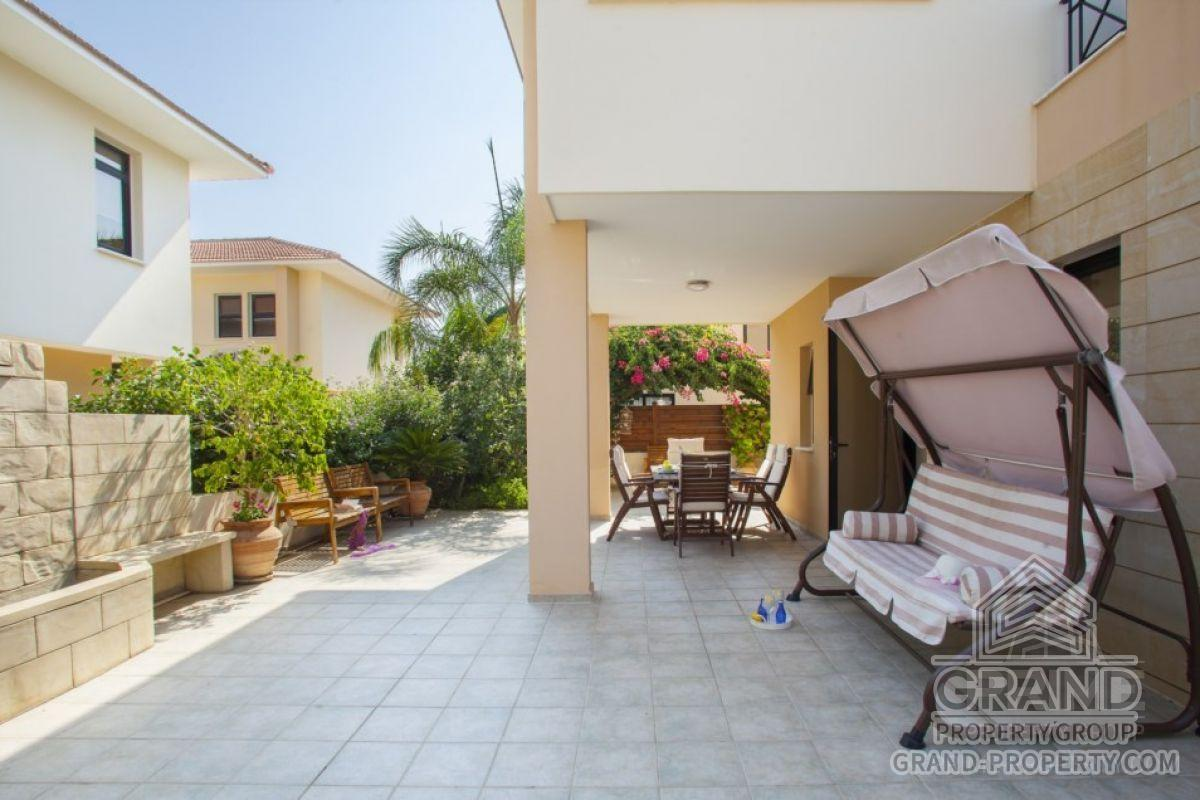 X6257  Villa 2 Bedrooms 1 Bathroom Larnaca Dhekelia Short Te.....