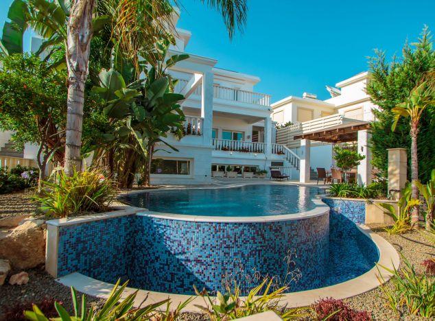 Villa  Limassol, Agios Tychonas 4 Bedrooms 443.0 SqMt for sa.....