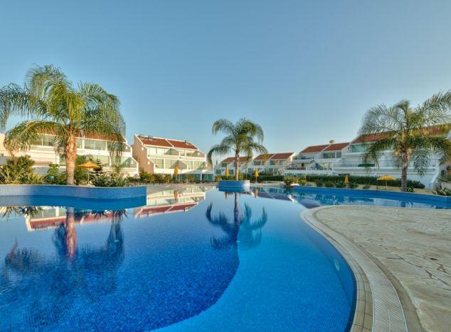 Apartment  Limassol, Mouttagiaka 2 Bedrooms 102.0 SqMt for s.....