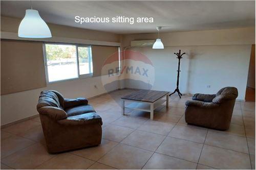 Mesa Geitonia, Limassol  Apartment 90 SqMt 2 Bedrooms 1 Bath.....