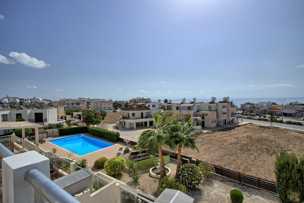 Tombs of Kings : 1 Bedroom Apartment For Long Term Rental To.....