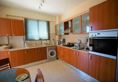 Apartment in Paphos, Paphos Town  2 bedrooms   1 bathrooms.....