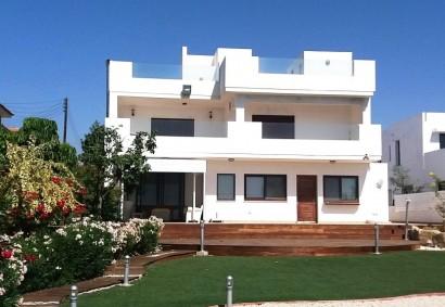 Detached Villa in Larnaka, Zygi  4 bedrooms   600 SqMt cover.....
