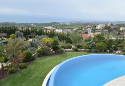 Detached Villa in Paphos, Tala  5 bedrooms   3200 SqMt plot.....